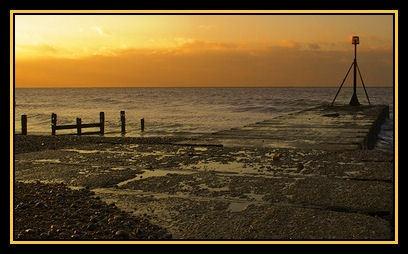 Pevensey Bay Horizon by sitan1
