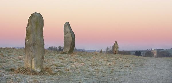 Dawn at Avebury by strawman