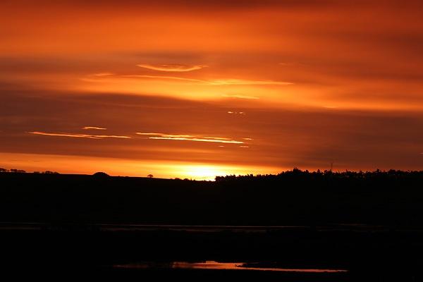 Tain Sunrise by amwaluk