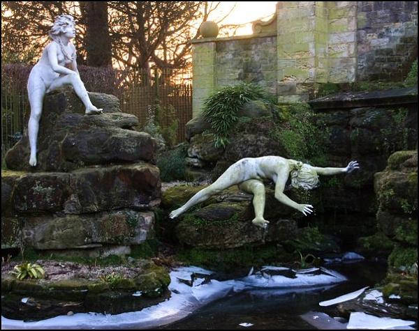 Twickenham - frozen fountain by Eden