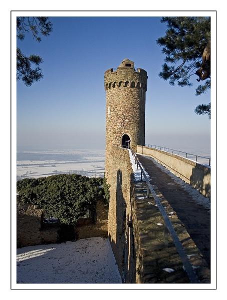 Castle Auerbach by firzhugh