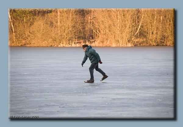 A Brave Skater by harrattp