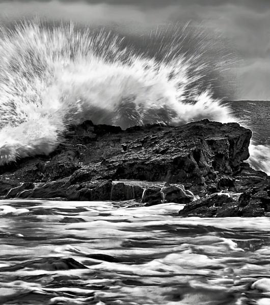 Dunstanburgh Wave by DJLphoto