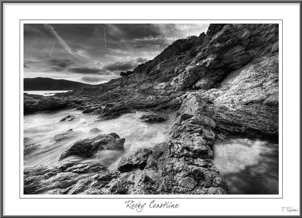 Rocky Coastline by rusmi
