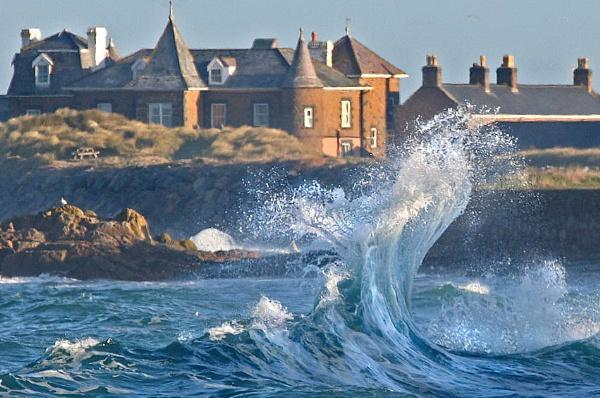 Reflected waves by jonny250
