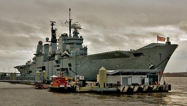 HMS Ark Royal by mcgannc