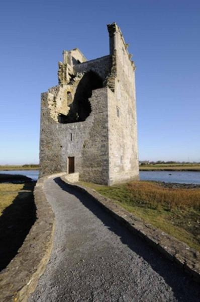 Carrigafoyle Castle by tomf148