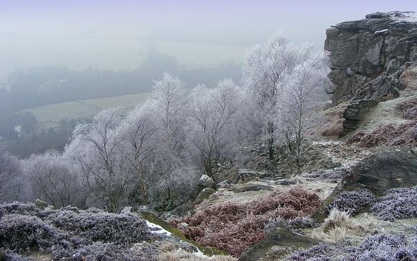 Frozen gully by rosiebobo