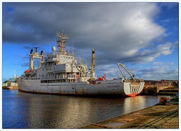 HDR Ship at docs Edinbrgh by icemanonline