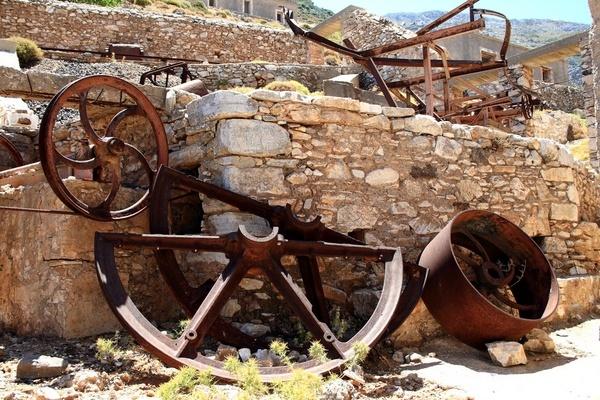 Scrap Iron by sandycroft