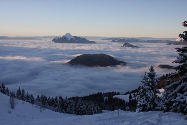 Sea of Cloud by benmini