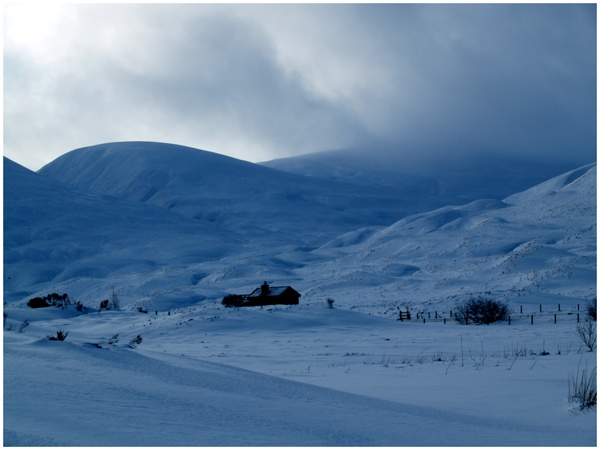 Snow on the A9 by angelsj
