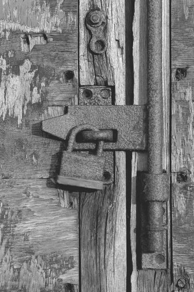 Rusting Lock by dickbulch