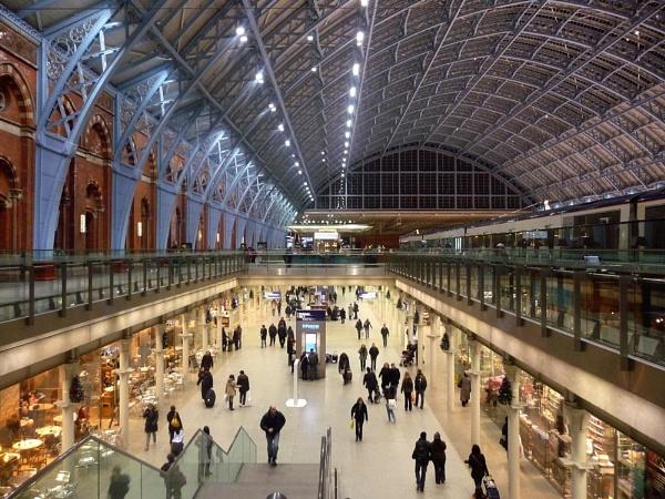 St Pancras Station by tony64