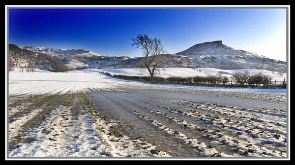 Roseberry Topping by mrfields