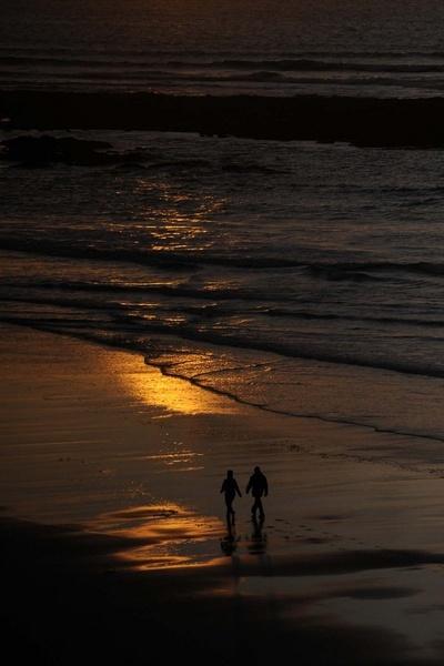 evenig  walk stroll sunset beach by tomf148
