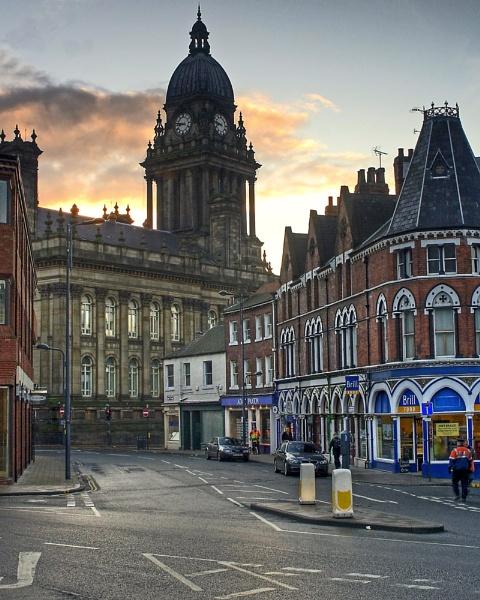Leeds Town Hall by Retnyap