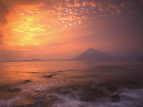 Skye Sunset by PaulHolloway