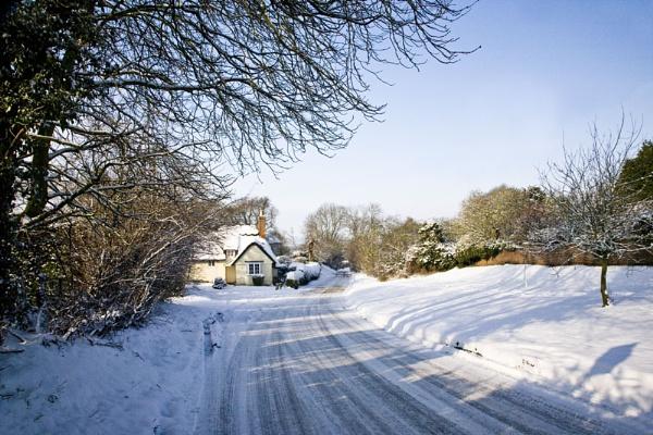Upper Weald in Snow by LlesdnilLegin