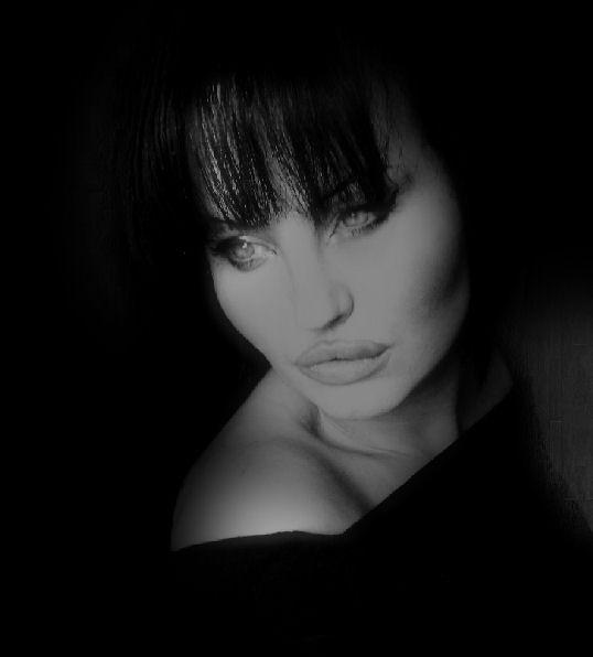 darkness in her eyes by ladylydakasteil