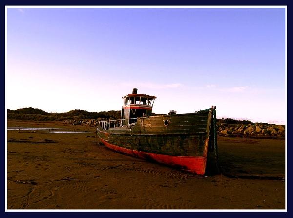 Nemo : A wreck near Shell Island Flat, Gwynedd by Bowline