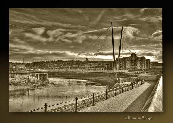 Millennium Bridge by Leo