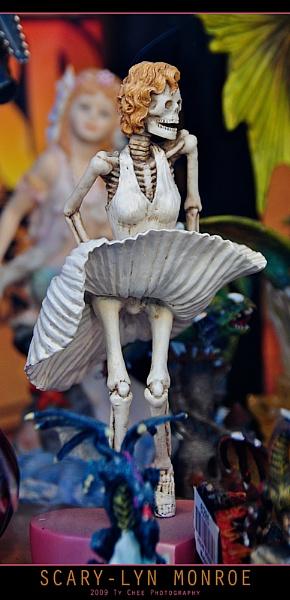 Scary-Lyn Monroe