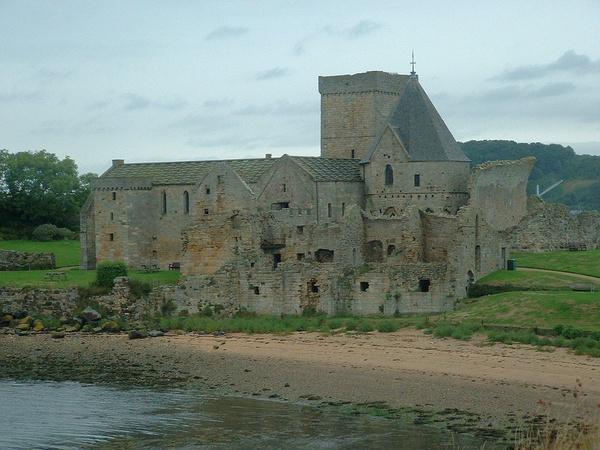 Inchcolm Abbey by sanjan