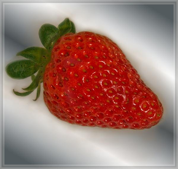 Strawberry by jayman