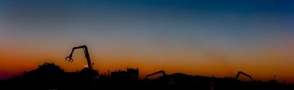 Rubbish Sunrise by tigertimb