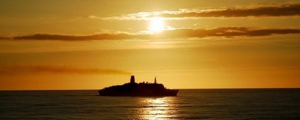QE2 Sunrise by goll116