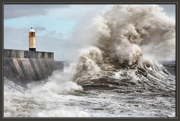 Wave Power by mjstead