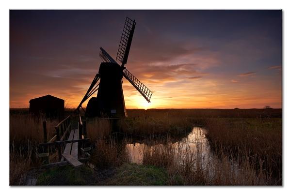 Mill--er Light by MrsS