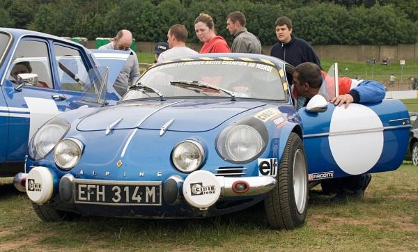 Renault Alpine by spikemoz