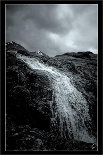 waterfall by bombmac
