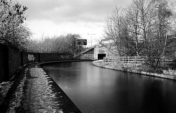 Peak Forest Canal by IainH