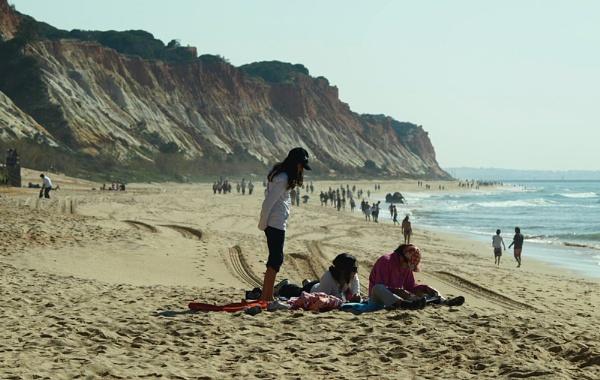 Hazy Beach by chensuriashi