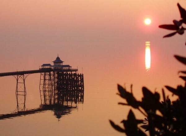 Clevedon Pier by Ukulele_Lady