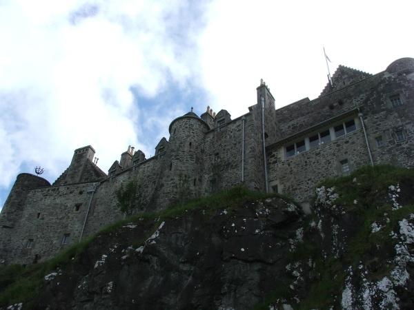 Duart Castle by frank61