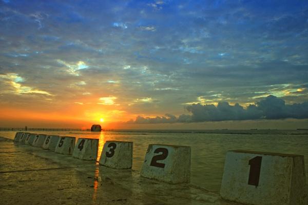 Ocean Baths Sunrise by fourdavisons