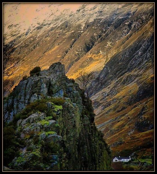 Living in the Glen by Raymund