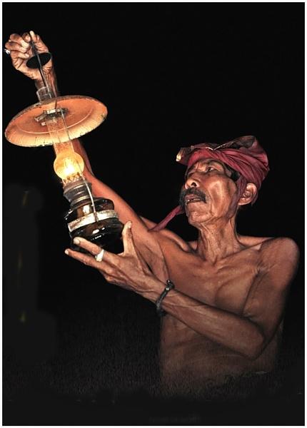 Lamp Light by jkennedy