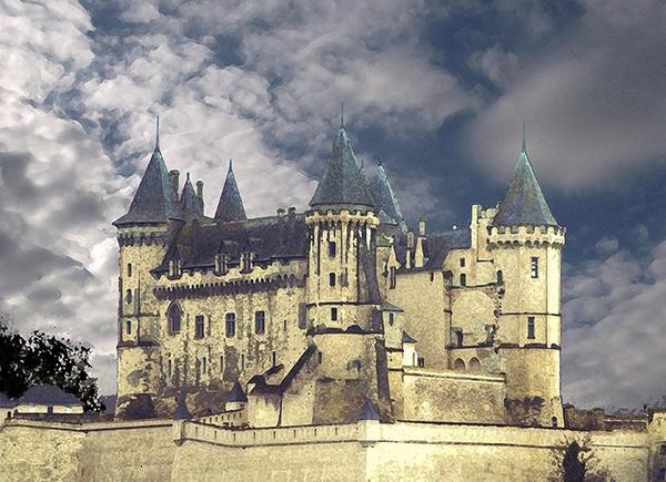 Saumur Chateau (dry brushed) by LindaSilcock
