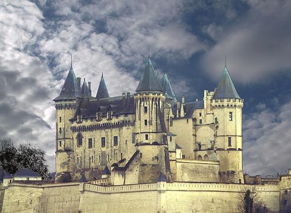 Saumur Chateau by LindaSilcock