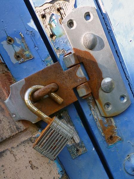 Un-Locked by BOBtheDAZZLER