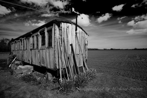 Derelict carriage by misaje
