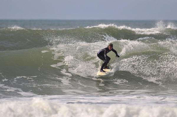 Surfs up by Ricky37