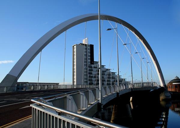 Squinty bridge by gary1