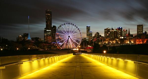 Melbourne by Night by fourdavisons