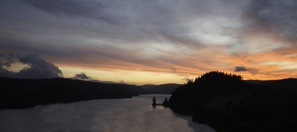 Lake Vyrnwy Sunset by paulrosser